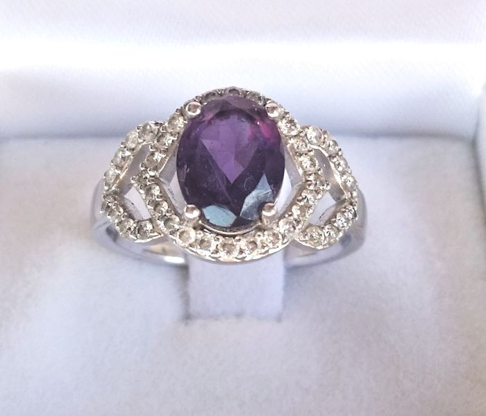 Amethyst and diamond 9 kt white gold  cocktail ring -  0.50 ct diamond    * No reserve*
