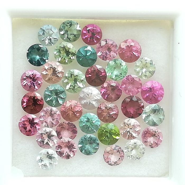 Lot of 40 Tourmalines - 4.66 ct