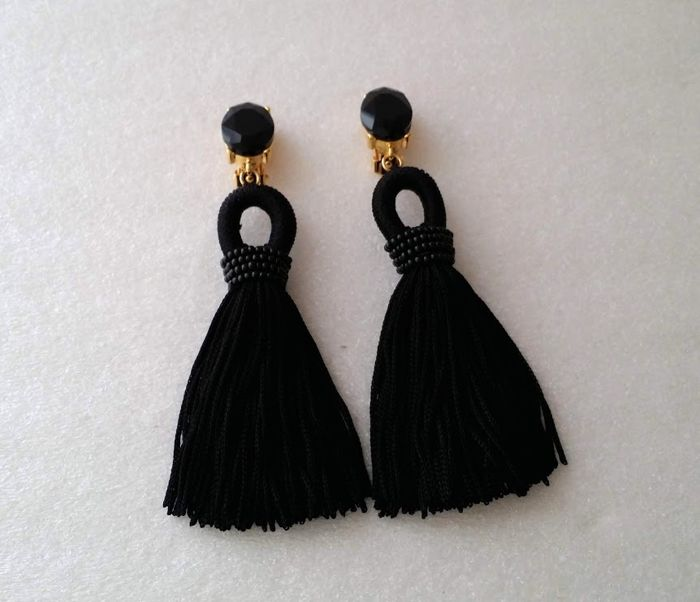 Oscar De La Renta Black Silk Tassel Earrings Catawiki