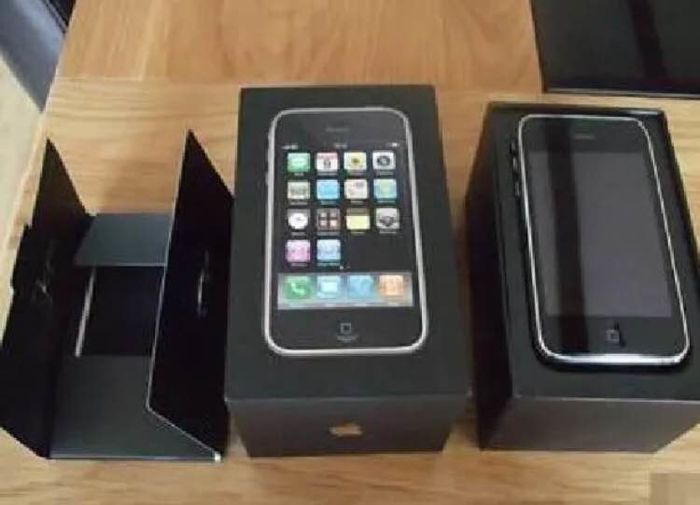 Apple iPhone 3GS 32Gb New