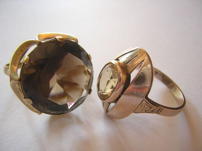 Two pretty opulent gold rings with citrine & smoky quartz