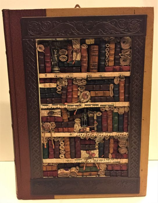 Bookcase with fake books - 2018