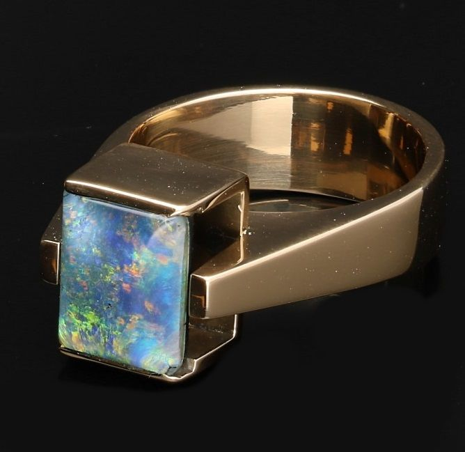18 kt  - Yellow gold ring with Triplet Opal - Ring size: 17.25 mm.