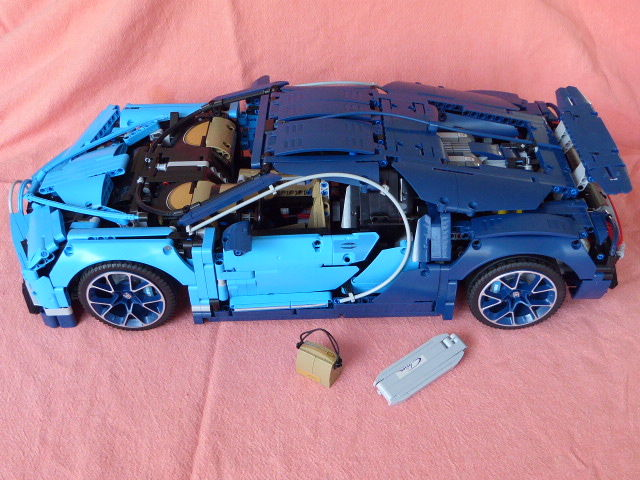 lego 1 8 bugatti chiron lego technic bugatti chiron. Black Bedroom Furniture Sets. Home Design Ideas
