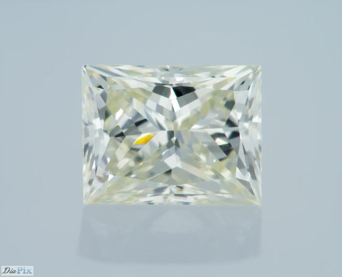 0.83 Carat I VVS2 PRINCESS Certified & Sealed - Very Low Reserve!