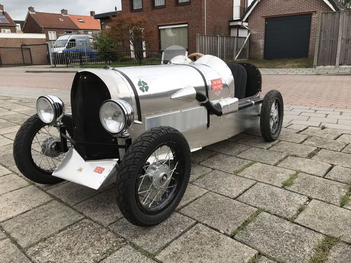 Handgemaakte elektrische Bentley maat 1/2 - Bentley maat 1/2  (1 items)