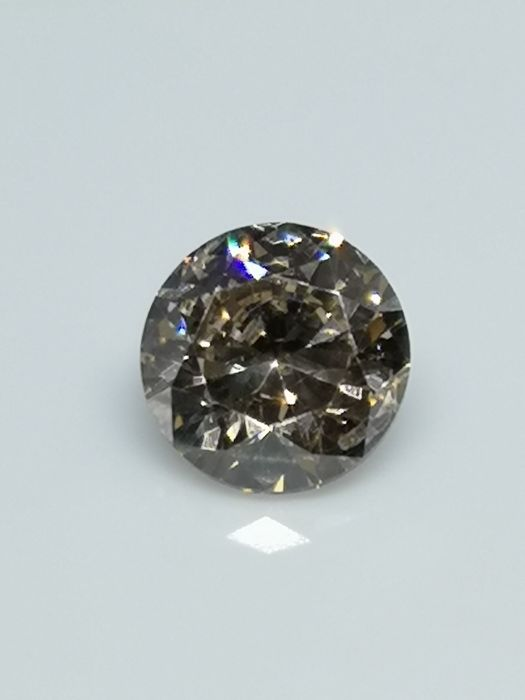 1.50 ct - Round Brilliant - Brown - VVS2