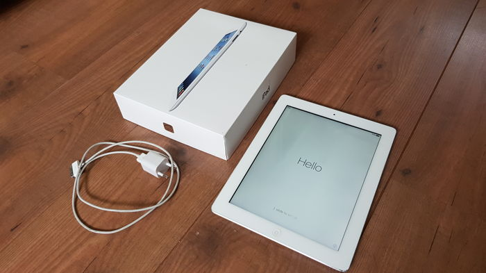 Apple iPad , 16GB White (A1416)  + Original box with charger, etc.