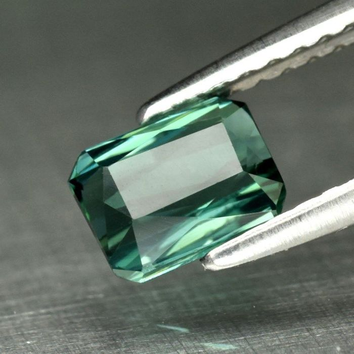 Green Tourmaline - 0.88 ct