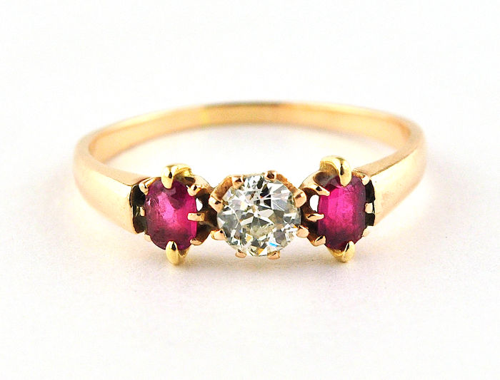 Antique - Ring - Gold - Natural (untreated) - Diamond and Ruby