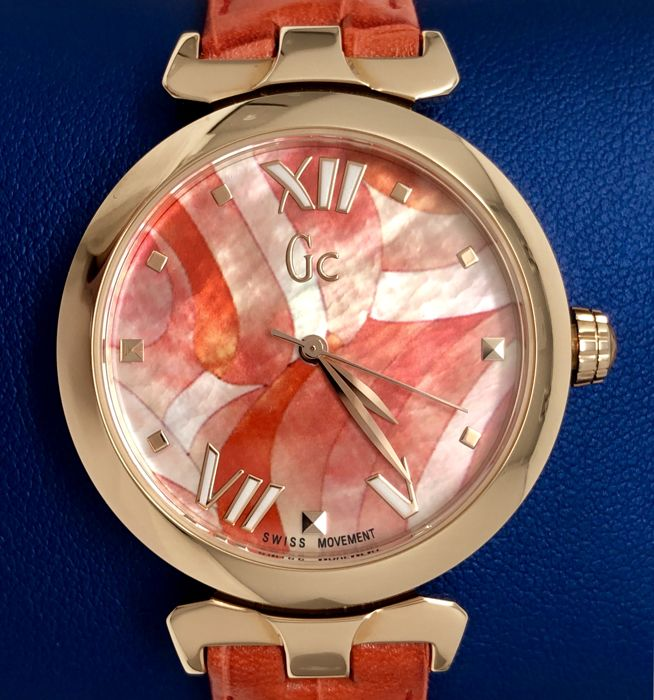 "Guess Collection  - GC LadyBelle Red IP Rose Gold Floral Dial Leather  - Y20004L3 - ""NO RESERVE PRICE"" - Dames - 2011-heden"