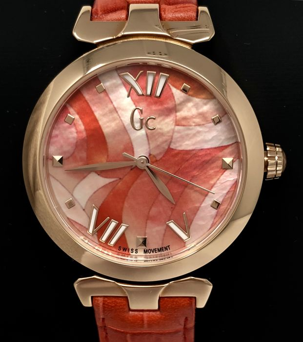 "Guess Collection  - GC LadyBelle Red IP Rose Gold Floral Dial Leather Swiss Made - Y20004L3 - ""NO RESERVE PRICE"" - Women - 2011-present"