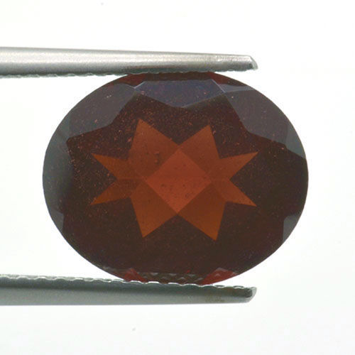 Red Garnet - 4.75 ct - No Reserve Price