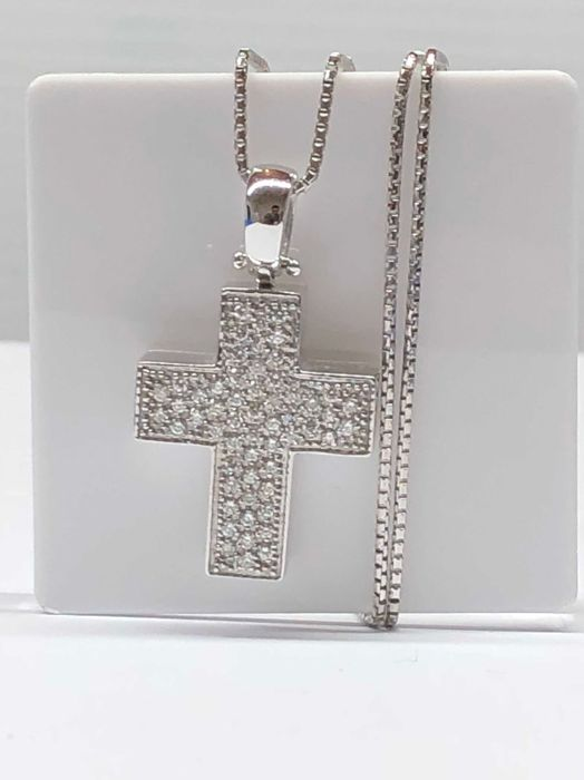White gold cross pendant necklace, with diamonds