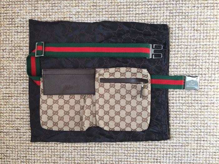 402d1c3f4d3 Gucci Fanny pack - Catawiki