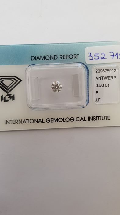 Brilliant Diamond of 0.50 ct, F I F certified by IGI