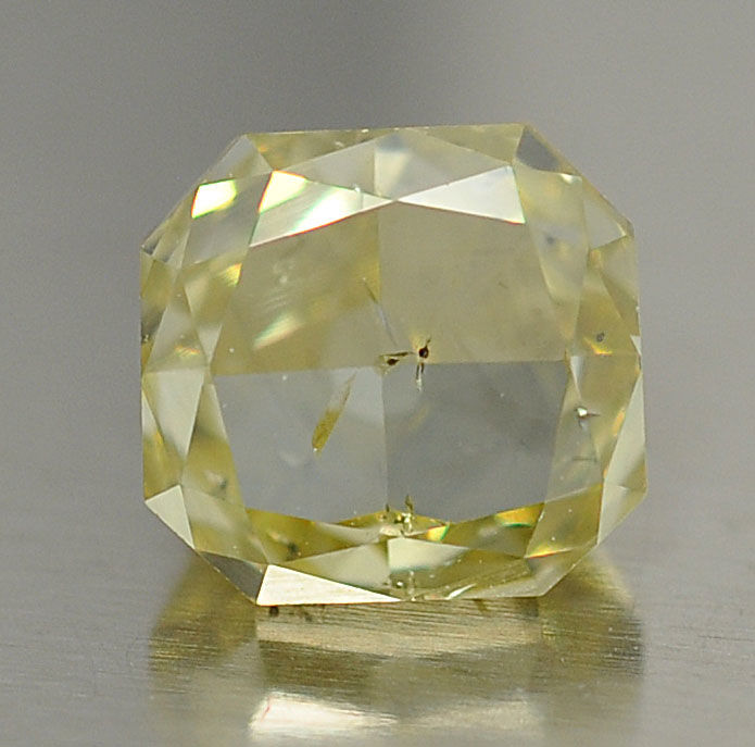 1,02 ct - Natural Fancy Diamond - Light Brownish Yellow - SI2