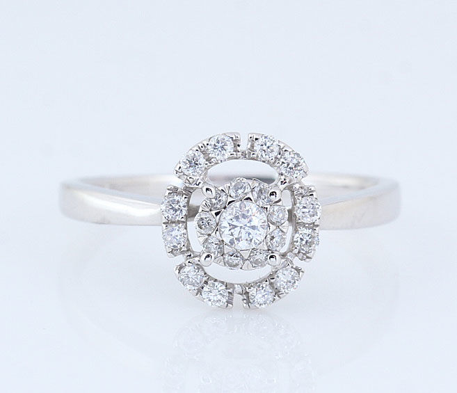 14k white gold diamond ring / G-H - VS-SI diamond 0.35 ct in total / Weight: 2.4 grams / Ring size: 53.5