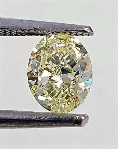Diamante - 0.68 ct - Ovalado - Natural Fancy Intense Yellow - SI1