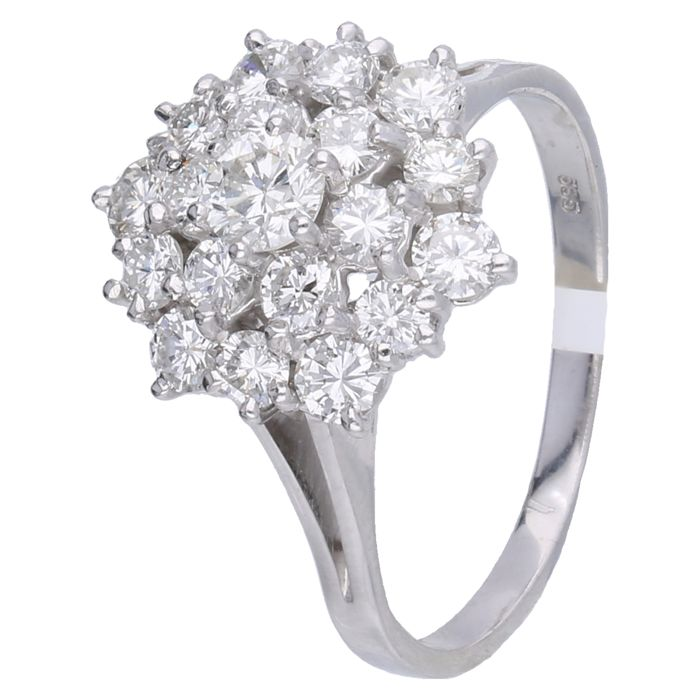 14 kt - White gold rosette ring set with 19 brilliant cut diamonds of 2.0 ct in total with an IGI certificate - Ring size: 17.5 mm
