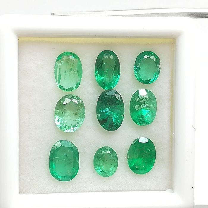 Lot of 9 Emeralds - 3.29 ct