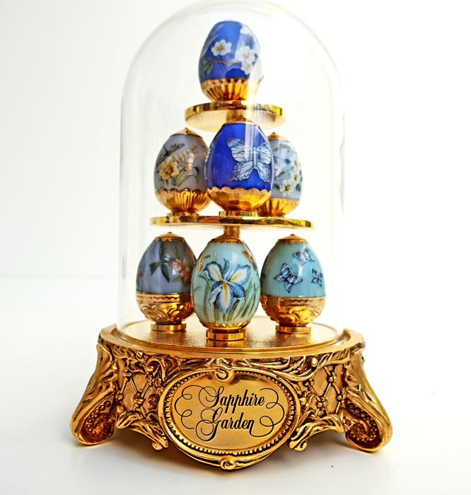 Fabergé - Sapphire Garden Imperial Egg Collection - 8 different Faberge eggs under clear glass dome