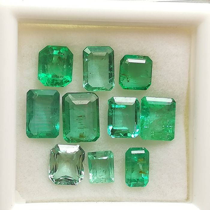 Lot of 10 Emeralds - 4.96 ct
