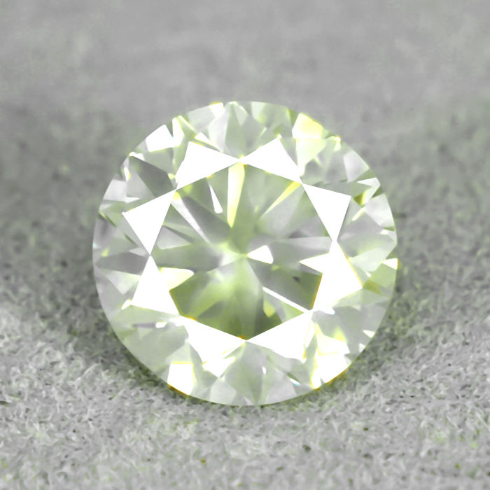 Natural Fancy light greenish Yellow Diamond - 1.03 ct, VS2 - VG/VG/VG