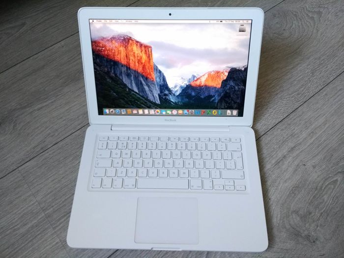 """Apple MacBook Unibody 13"""" (mid 2010) - Core2Duo 2.4Ghz CPU, 6GB DDR3 RAM, 240GB SSD, Superdrive - with charger"""