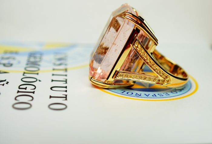 14 ct. Gold Ring - 27.8 gr. with Rarity: Luxury Natural Morganite - 78.46 сt  , size 56 - IGE Certificate