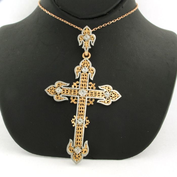 14 kt rose-gold anchor necklace with an 18 kt bi-colour gold pendant in the shape of a cross, set with bolshevik-cut diamonds - necklace length: 45 cm