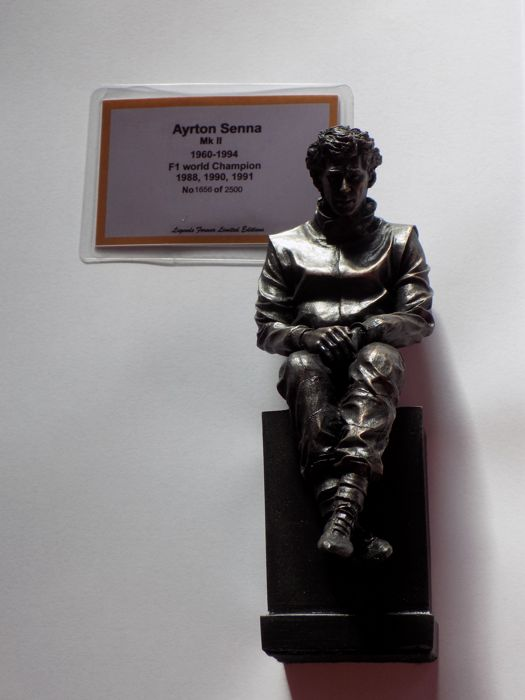 Statue - Ayrton Senna Bronzed Sculpture - 2016-2016 (1 items)