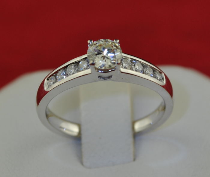 Luxury Engagement  - 18 kt. White gold - Ring Diamond