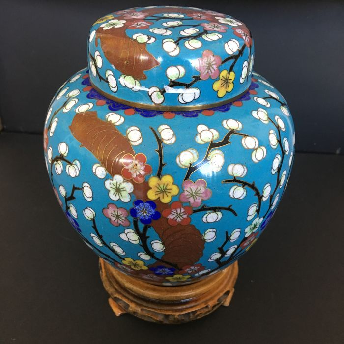 Chinese clear turquoise cloisonné ginger jar with blossom on wooden console - China - First half of the 20th century