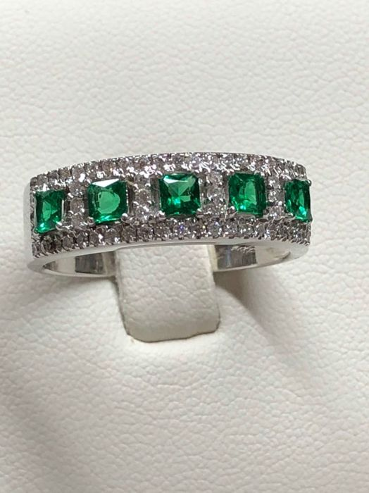 Ring - Gold - Diamond and Emerald