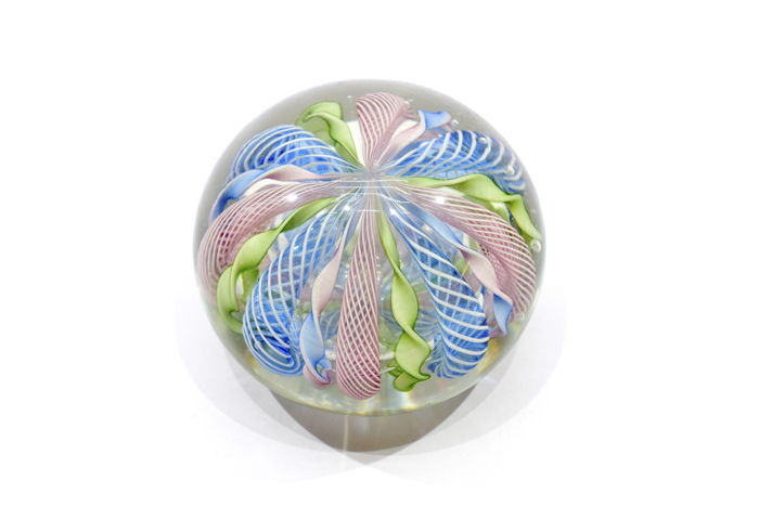 "A.VE. M.  (Murano) - ""Reticella"" series paperweight from the 1950s"