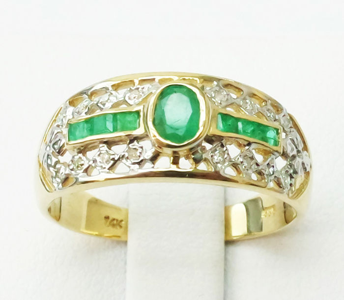 Ring - Gold - Emerald