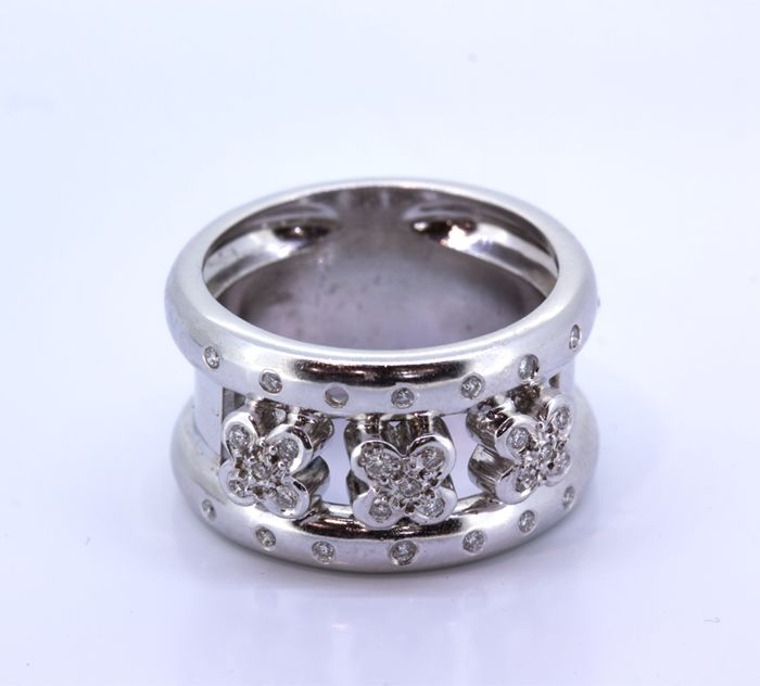 Cocktail ring gold 18 kt with brilliant cut diamonds 0.30 ct  - size 15