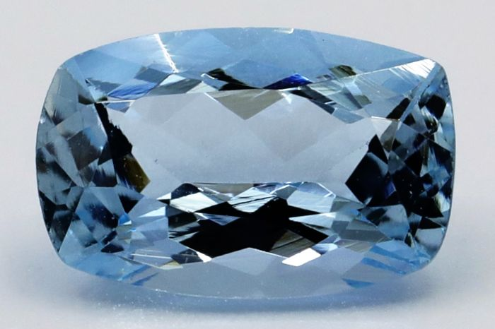 Hellblau Aquamarin - 1.53 ct