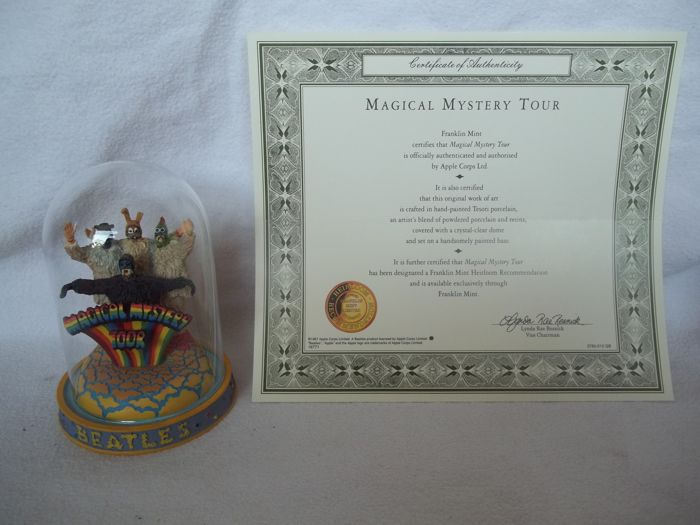 """Franklin Mint - The Beatles - """"Magical Mystery Tour"""" Sculpture with glass dome and c.o.a. - Like new"""