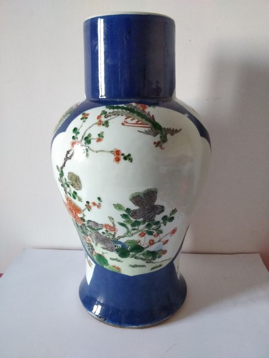 Porcelain vase of Famille Verte on a powder blue background, decorated with phoenix and kirin - China - 19th century