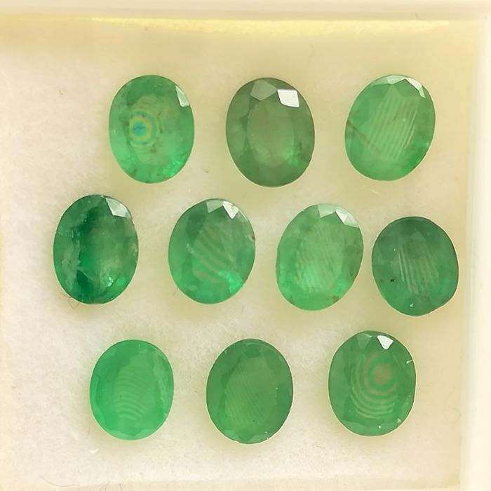 Lot of 10 Emeralds - 3.93 ct