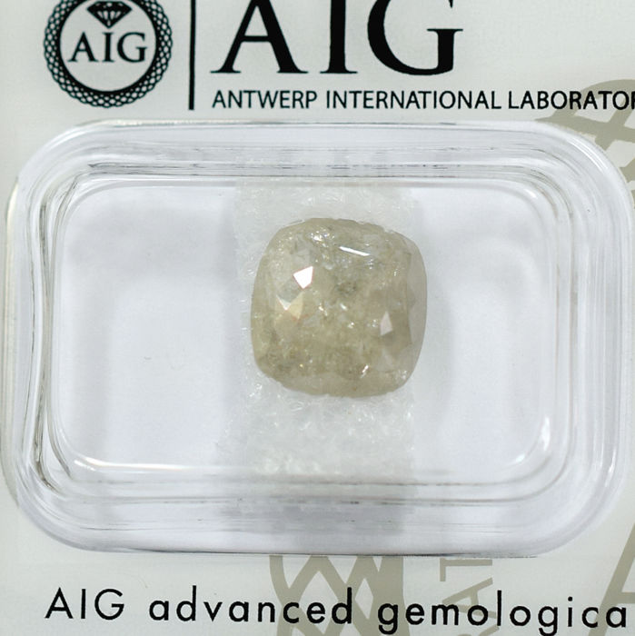 Natural light Yellowish Gray Diamond - 2.65 ct