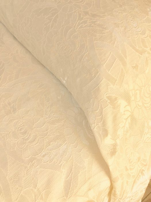 Precious silk blend double blanket - white - bas relief working - Jacquard-floral design