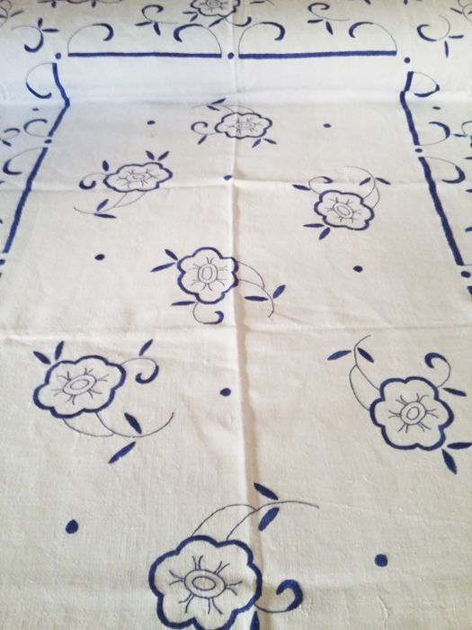 Old thread quilt, large handmade embroideries,  19th century. Bed of 1.50. Unused