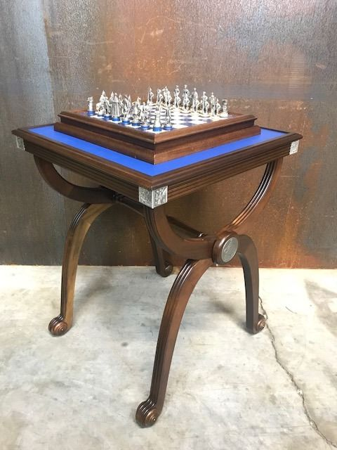 """Franklin Mint - """"the seven year war"""" chess set - with matching table - 1987 - Rare"""