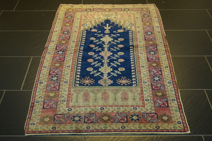 Kayseri prayer rug Turkey 130 x 90 cm