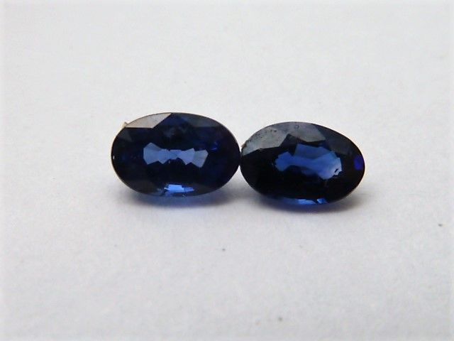 Pair of sapphires - 0.93 ct **No Reserve Price**
