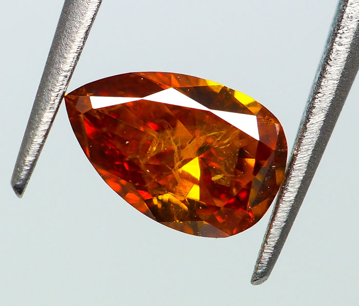 0.28 ct - Natural Fancy Diamond - VIVID Orange - I1 *NO RESERVE*