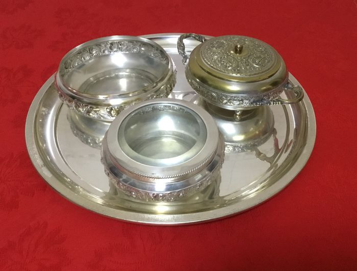 Tray, two boxes and a sugar bowl - by Milanese silversmith Galbiati (Italy)